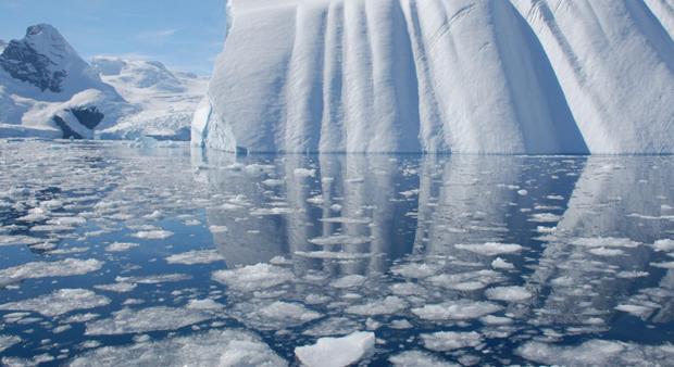 antarpply-iceberg