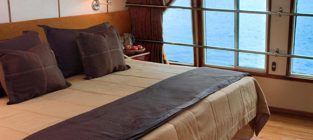 queen-of-the-galapagos-double-room