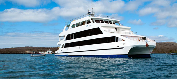 queen-of-the-galapagos-g-adventures